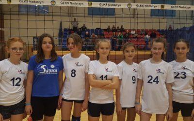 """Saska na turnieju """"czwórek"""" dziewcząt w Nadarzynie"""